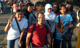 Making friends at Tanah Lot in Bali